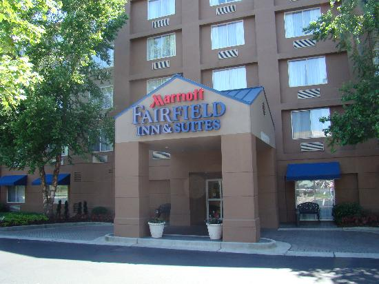 Fairfield Inn & Suites by Marriott Atlanta Perimeter Center: Main Entrance