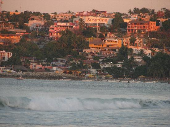 Quinta Lili : Sunrise over Puerto Escondido