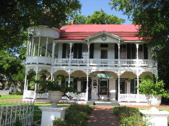 Gruene Mansion Inn Bed Breakfast Green