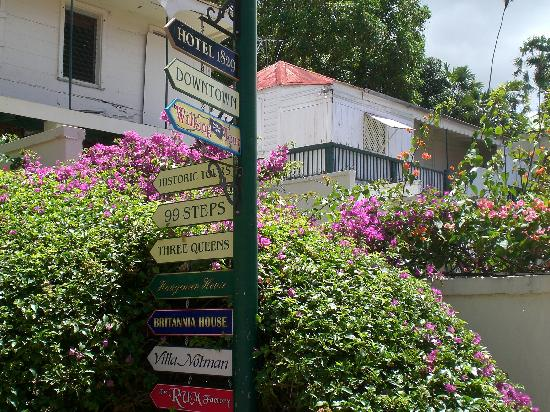 Charlotte Amalie, St. Thomas: Signs point the direction