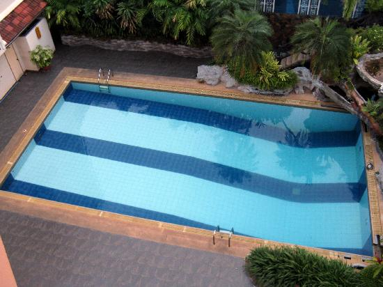 Anodard Hotel: Swimming pool