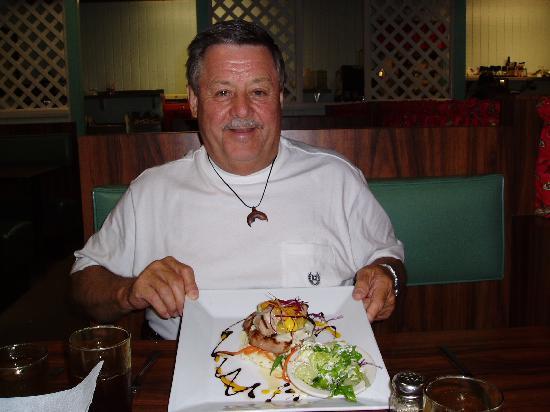 Barbeque Inn : Charlie's Mahimahi at BBQ Inn