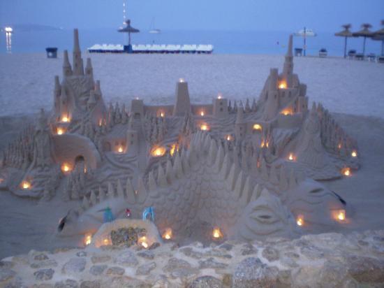 BQ Belvedere Hotel : sand castle at Palma Nova beach