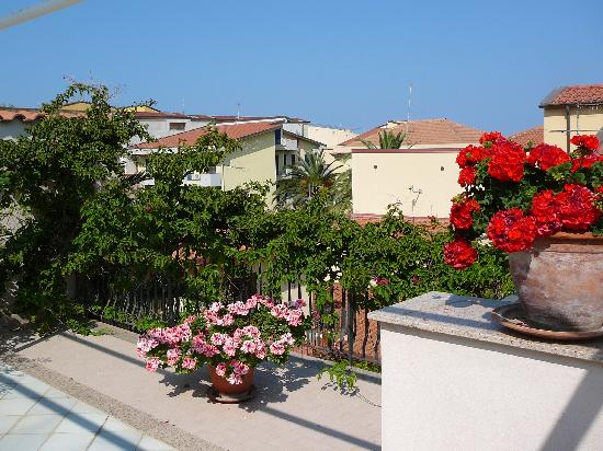 B&B Le Terrazze: The rooftop terrace where breakfast is served