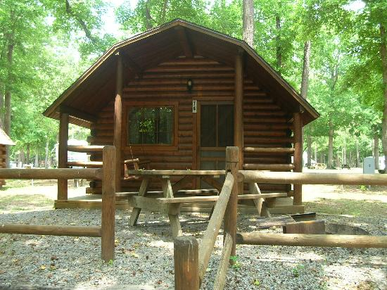 Myrtle Beach KOA Kampground: Cabin #74 (two bedrooms)