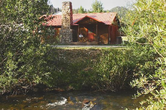 Rio Colorado Lodge: Our cabin across the Red River