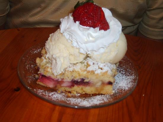 Cross Village, MI : Polish Berry Szarlotka for dessert
