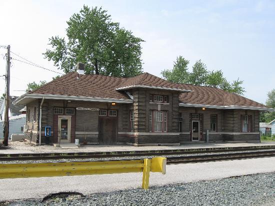 Best Western Fostoria Inn & Suites: Former B&O rail depot, Fostoria