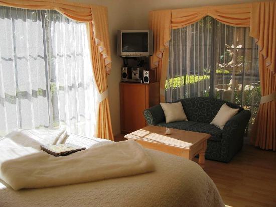 โรงแรมวิลลาเดลลาโรซา: The cosy Florentine Room