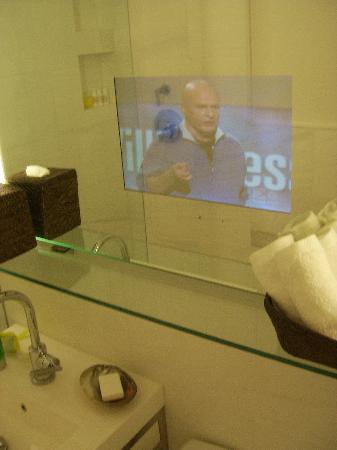 The Betsy - South Beach : TV im Bad