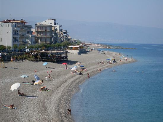 Capo d'Orlando, İtalya: View of main beach