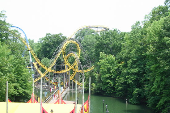 Busch Gardens Williamsburg: The Interlocking Loops of the Loch Ness Monster