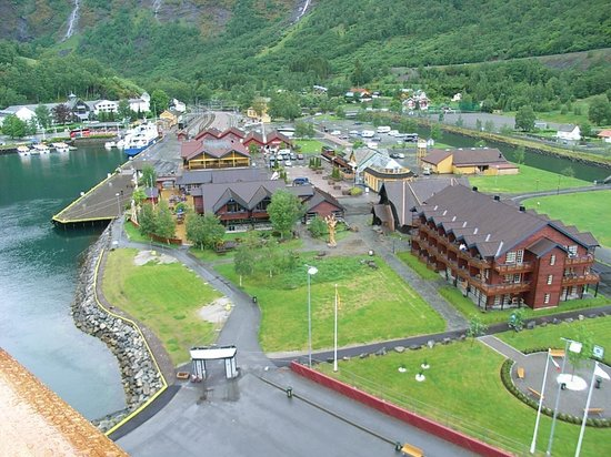 The Flam Railway : Flam village