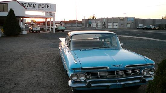 Wigwam Motel: schöne Autos