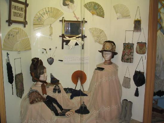 Historical Center for Southeast New Mexico: Victorian accessories