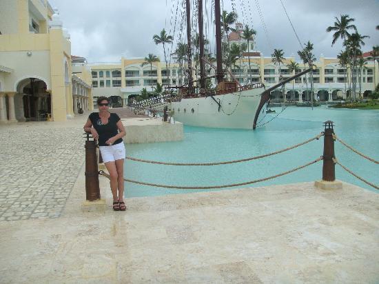 Iberostar Grand Hotel Bavaro: vista del barco