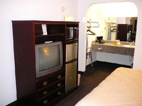 Dodge House Hotel: Kühlschrank & Mikrowelle war vorhanden