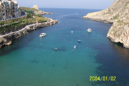 Saint Patrick's Hotel: view from rooftop of st patricks of xlendi bay