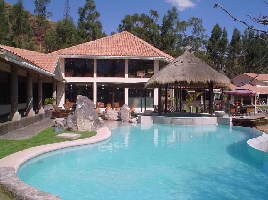Aranwa Sacred Valley Hotel & Wellness : piscina y jacuzzi