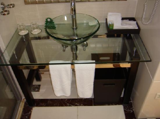 Country Garden Phoenix Hotel Heshan: inc the sink