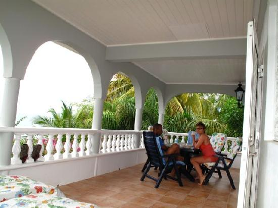 Caribbean Sea View Holiday Apartments: the terrace was HUGE