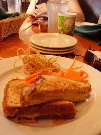 "Moana Bakery & Cafe: Grilled cheese with ""Dali"" fries"