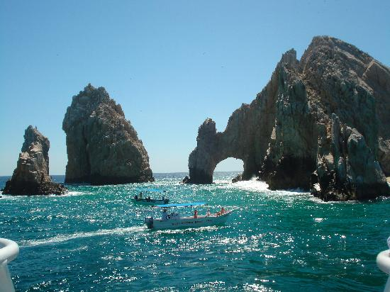cabo san lucas single girls Cabo san lucas tourism cabo san breathless resorts for middle aged singles i also went to the temptations ones where the ratio of singles/couples, men/women.