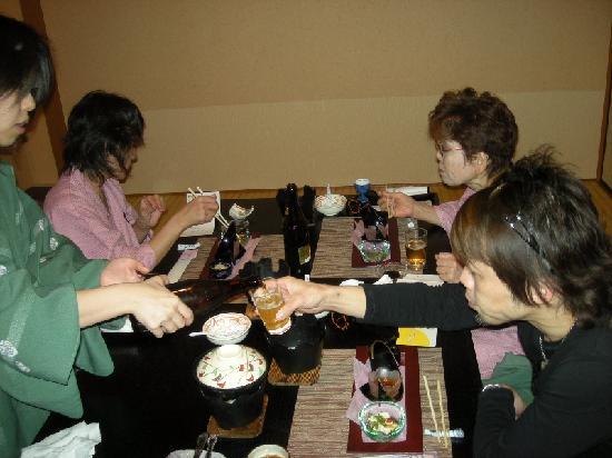 竹取亭円山, 食事も美味しくお酒が進む〈´∀`q〉~♪