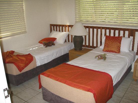 Reflections of Port Douglas: 2nd Bedroom
