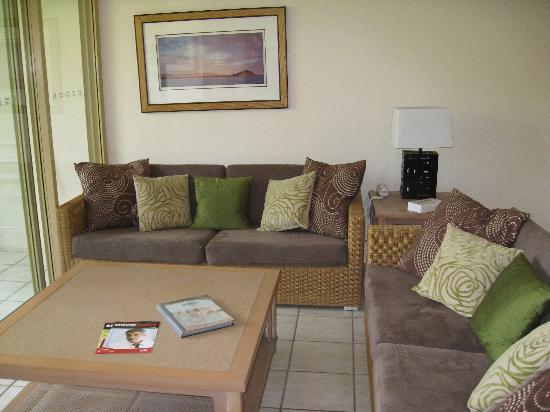 Reflections of Port Douglas: Lounge
