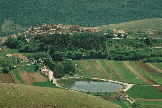 Abruzzo Segreto Navelli: abruzzo-santo stefano di sessanio-25 km da navelli