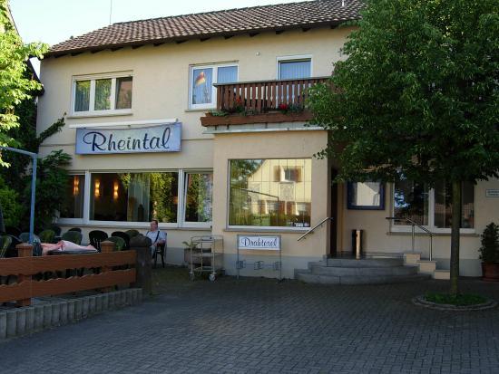 Hotel Rheintal : hôtel vue de la rue