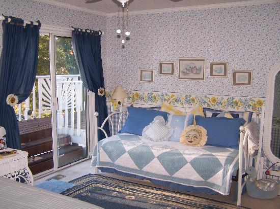 Hiawassee, Τζόρτζια: Sunflower room at Hidden Valley B&B
