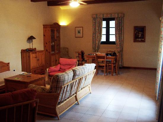 Ghasri, Μάλτα: Living area