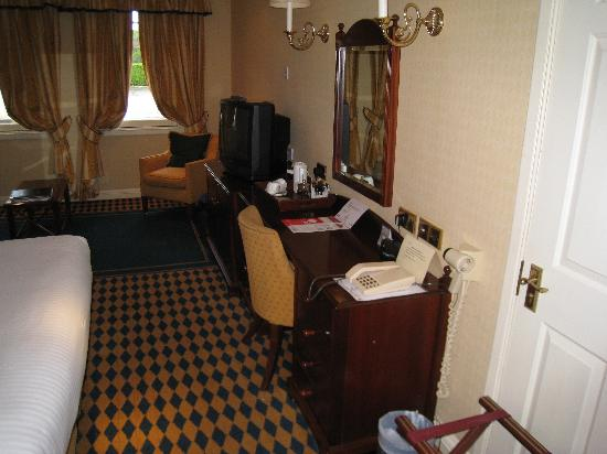 Huntingtower Hotel: Bedroom 2