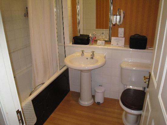 Huntingtower Hotel: Bathroom