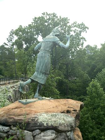 Noccalula Falls Park & Campground: Beautiful Indian maiden falling to her doom
