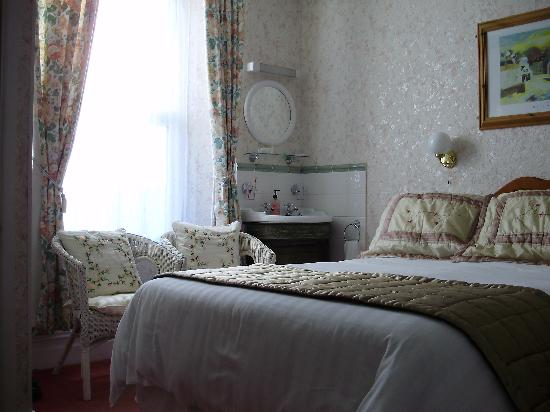 Elmswood House: Guest room