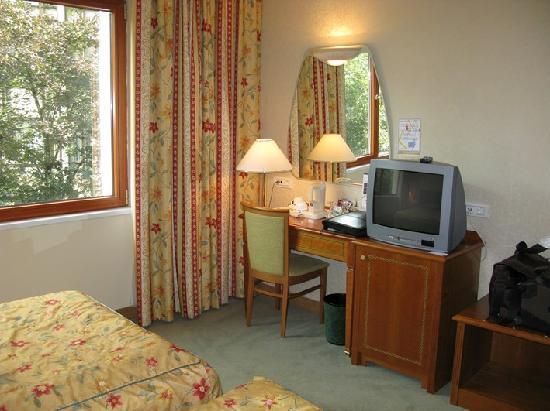 Best Western Hotel Turist: Desk