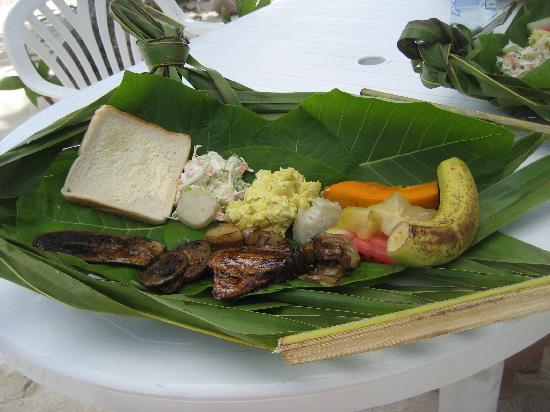 Amuri Guesthouse : Lunch at the lagoon