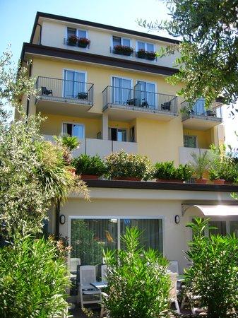 Hotel Villa Verde: Esterna hotel 1