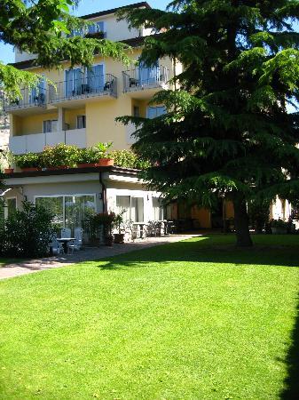 Hotel Villa Verde: Esterna hotel 2