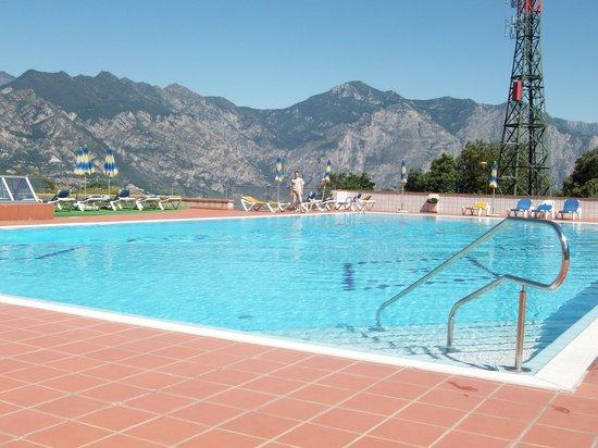 Panorama Residence Hotel: La piscina