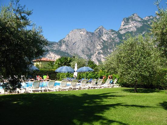Hotel Villa Verde: Piscina 2