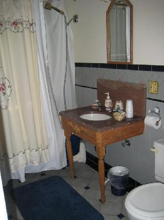 Yellowstone Suites B&B: Bathroom