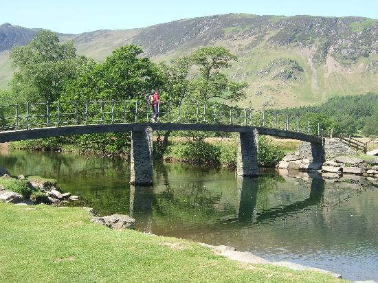 Derwentwater: Crossing Chinese bridge from Manesty footpath/Derwent Water,Lake District,Cumbria.