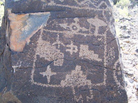 Petroglyph National Monument: Petroglyphs at Boca Negra