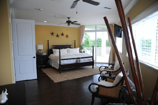 The Residence Club at Fisherman's Cove: Master bedroom