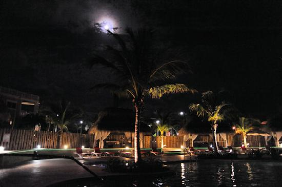 The Residence Club at Fisherman's Cove: Pool at night