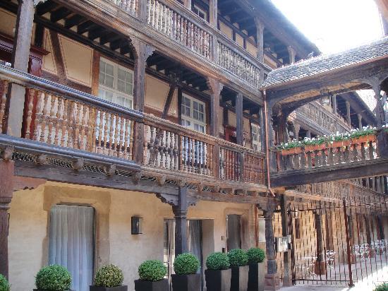 Hotel Cour du Corbeau Strasbourg - MGallery Collection: Arrivé de l hotel par la cour du Corbeau bis